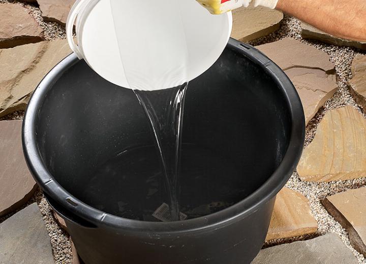 Bild 2: max. 3,5 l Wasser vorlegen