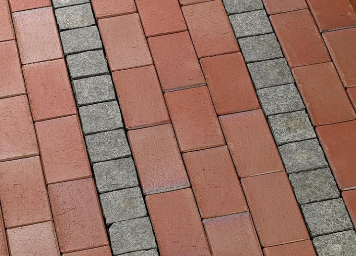 Bild 1: Oberflächen rückstandsfrei reinigen